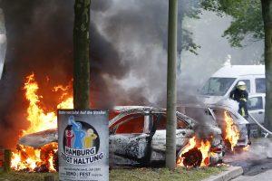 Prieš G-20 viršūnių susitikimą Hamburge įsiplieskė audringi protestai