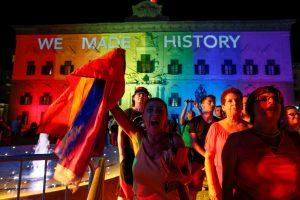 Maltos parlamentas pritarė tos pačios lyties asmenų santuokoms