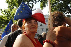 Atviras Lenkijos ir ES konfliktas kelia nerimą dėl tolesnio bloko skilimo