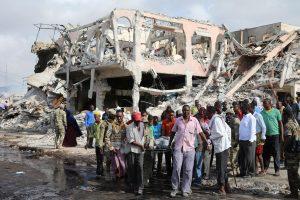 Sprogdinimo Mogadiše aukų skaičius artėja prie 300