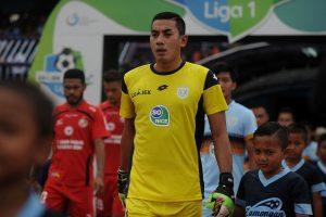 Indonezijoje po susidūrimo per futbolo rungtynes mirė vartininkas