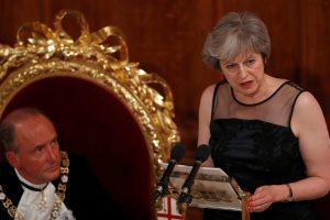 Britanijos premjerė: Rusijos pastangos pakenkti Vakarams žlugs