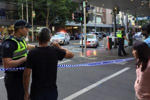 Australijoje automobilis įsirėžė į būrį pėsčiųjų, yra sužeistųjų
