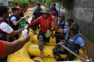 Filipinams smogusi atogrąžų audra nusinešė virš 130 gyvybių