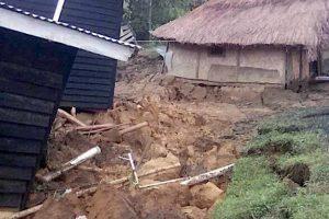 Žemės drebėjimas Papua Naujoje Gvinėjoje nusinešė beveik 70 žmonių gyvybes