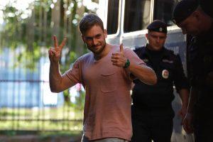 """Maskvos policija paleido """"Pussy Riot"""" aktyvistus"""