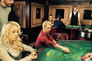 """""""Domino"""" teatro aktoriai kazino ne pramogavo, o dirbo"""