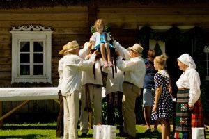 Kvietimas į šventę Rumšiškėse: Oninės, arba gausi šaukštu į kaktą