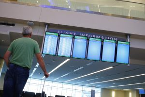 Lainerį mėginęs užgrobti keleivis suimtas Minsko oro uoste