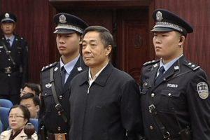 Kinijos teismas paliko galioti kalėjimo iki gyvos galvos bausmę Bo Xilai