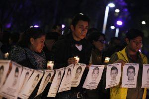 Meksikoje studentų dingimo bylos tyrėjai aptiko naujų masinių kapaviečių