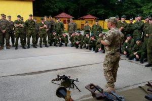 Ukrainoje – nauja Lietuvos karinių instruktorių pamaina