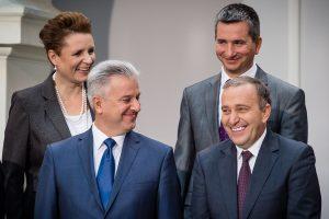 Naujoje Lenkijos vyriausybėje R. Sikorskį pakeitė G. Schetyna