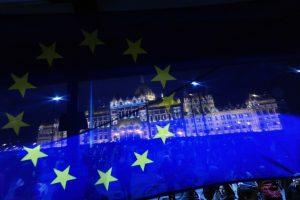 ES viltis sulaukti pagerėjimo 2015-aisiais temdo nauji rūpesčiai