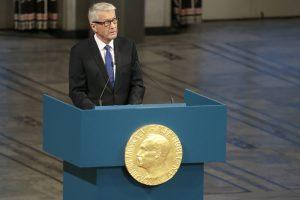 Nobelio taikos premijos komiteto pirmininkas pašalintas iš posto