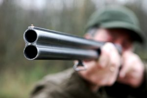 Mažeikių rajone vyras palėpėje rado medžioklinį šautuvą