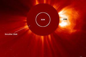 Savaitgalį be perstojo sproginėjusi Saulė pirmadienį pradėjo X kategorijos žybsniu