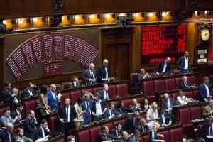 Italijos parlamentas leido areštuoti S. Berlusconi sąjungininką