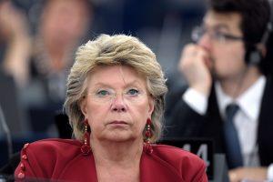 Eurokomisarė: dalyvauti EP rinkimuose piliečius turėtų raginti nacionalinės partijos