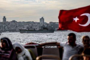Stambule sužeistas valdžią kritikavęs turkų žurnalistas