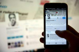 """JAV žvalgybos paslapčių viešintojas prisijungė prie """"Twitter"""""""
