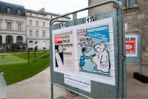 """Maskva piktinasi pasibjaurėtina """"Charlie Hebdo"""" karikatūra apie Ukrainos konfliktą"""