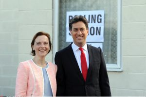 E. Milibandas rinkimų finišo tiesiąją pasiekė sustiprinęs pozicijas