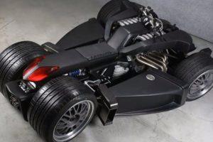 """""""Wazuma V8F"""": kvadrociklas su """"Ferrari"""" varikliu ir """"BMW"""" greičių dėže"""