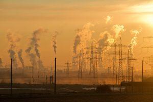Tyrimas: oro tarša susijusi su padidėjusia silpnaprotystės rizika?