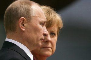 Putinas ir Merkel per pokalbį telefonu išreiškė paramą ESBO misijai Ukrainoje