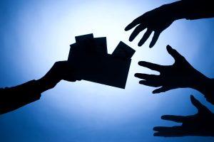 Tyrimas: Lietuvos rezultatai tiriant papirkinėjimą užsienyje – kol kas kuklūs