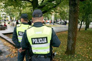 Girtas lentvariškis sumušė du policininkus