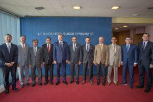 Lietuva tikisi aktyviai bendradarbiauti su Jungtiniais Arabų Emyratais