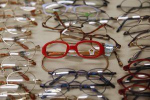 Paneigė mitą dėl akinių nešiojimo įtakos regai