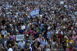 Graikijoje dėl bombos ruošiamasi evakuoti 75 tūkst. žmonių