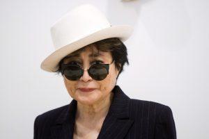 J. Lennono našlė Yoko Ono dėl gripo atsidūrė ligoninėje