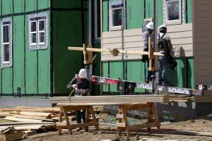 Namų rinka Vilniuje: statybų sparčiai daugėja, tačiau plotas traukiasi