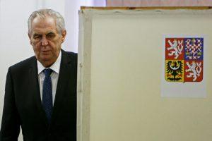 Prorusiškų  pažiūrų M. Zemanas perrinktas Čekijos prezidentu