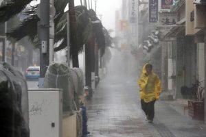 Japonijoje siaučia galingas taifūnas