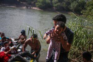 JAV nebesuteiks prieglobsčio nelegaliems migrantams