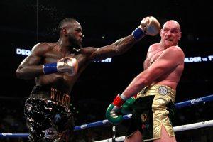 Po dviejų nokdaunų D. Wilderio ir  T. Fury kova baigėsi lygiosiomis