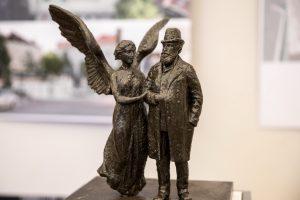 Menininkai siekia nutraukti konkursą dėl J. Basanavičiaus paminklo