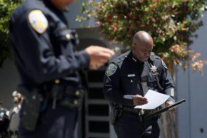 San Francisko siuntų tarnybos darbuotojas nušovė tris kolegas ir nusižudė
