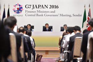 """G7 įspėja: """"Brexit"""" sukeltas šokas gali pakenkti pasaulinei ekonomikai"""