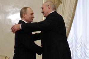 Rusijos spaudimas Baltarusijai – bandymas paveikti artėjančius rinkimus Lietuvoje?
