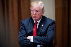 Du trečdaliai lietuvių nepasitiki D. Trumpu