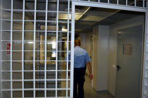 Protestas tęsiasi: keli šimtai kalinių toliau atsisako maisto