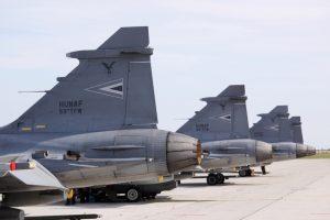 NATO naikintuvai dukart kilo palydėti rusų orlaivių