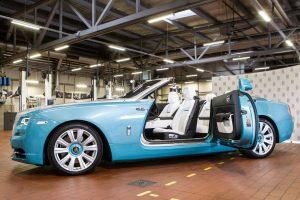 """""""Krasta auto"""" atidarė pirmąjį Baltijos šalyse """"Rolls-Royce"""" servisą"""