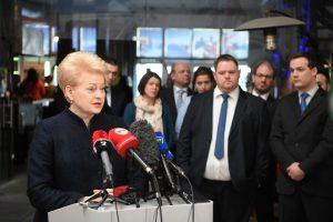 """Prezidentė: Seimas tampa """"rietenų seimeliu"""""""